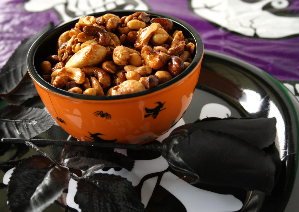 Halloween Treat: Spicy Nuts From Hell!!!!