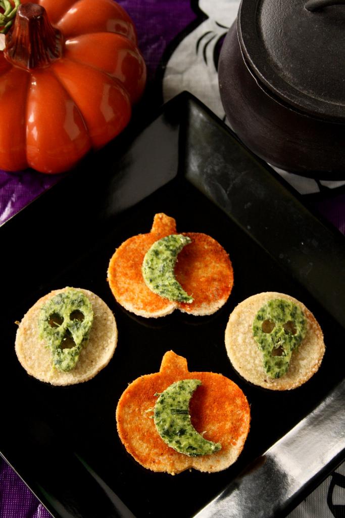 Martha Stewart S Halloween Spinach Ricotta Skulls Suzie
