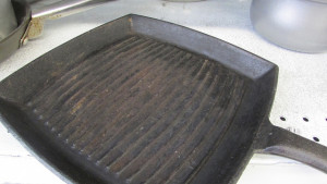 $10 Rusty Cast Iron Grill Pan - Bargain or Bust?