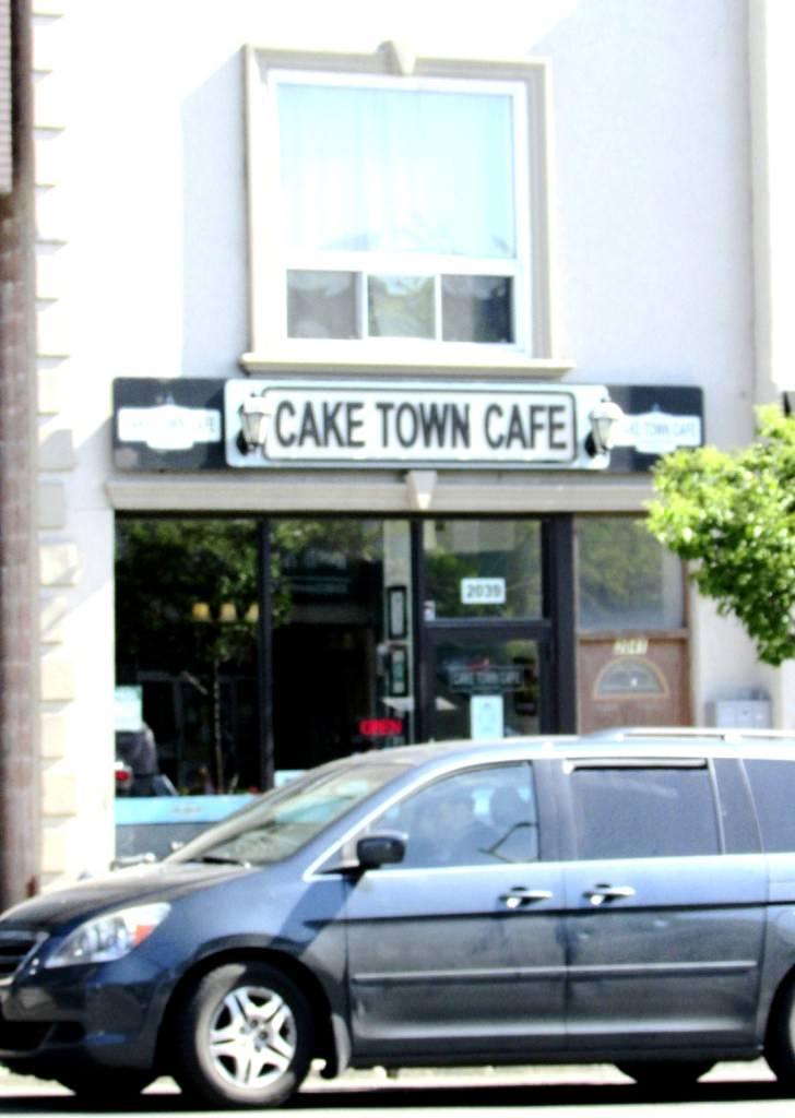 Return to Cake Town Cafe, Toronto