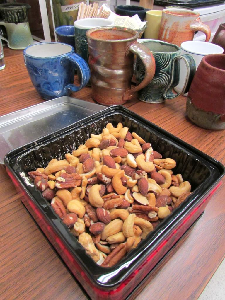 PC 54% Cashews Deluxe Mixed Nuts Cashews, Almonds and Pecans