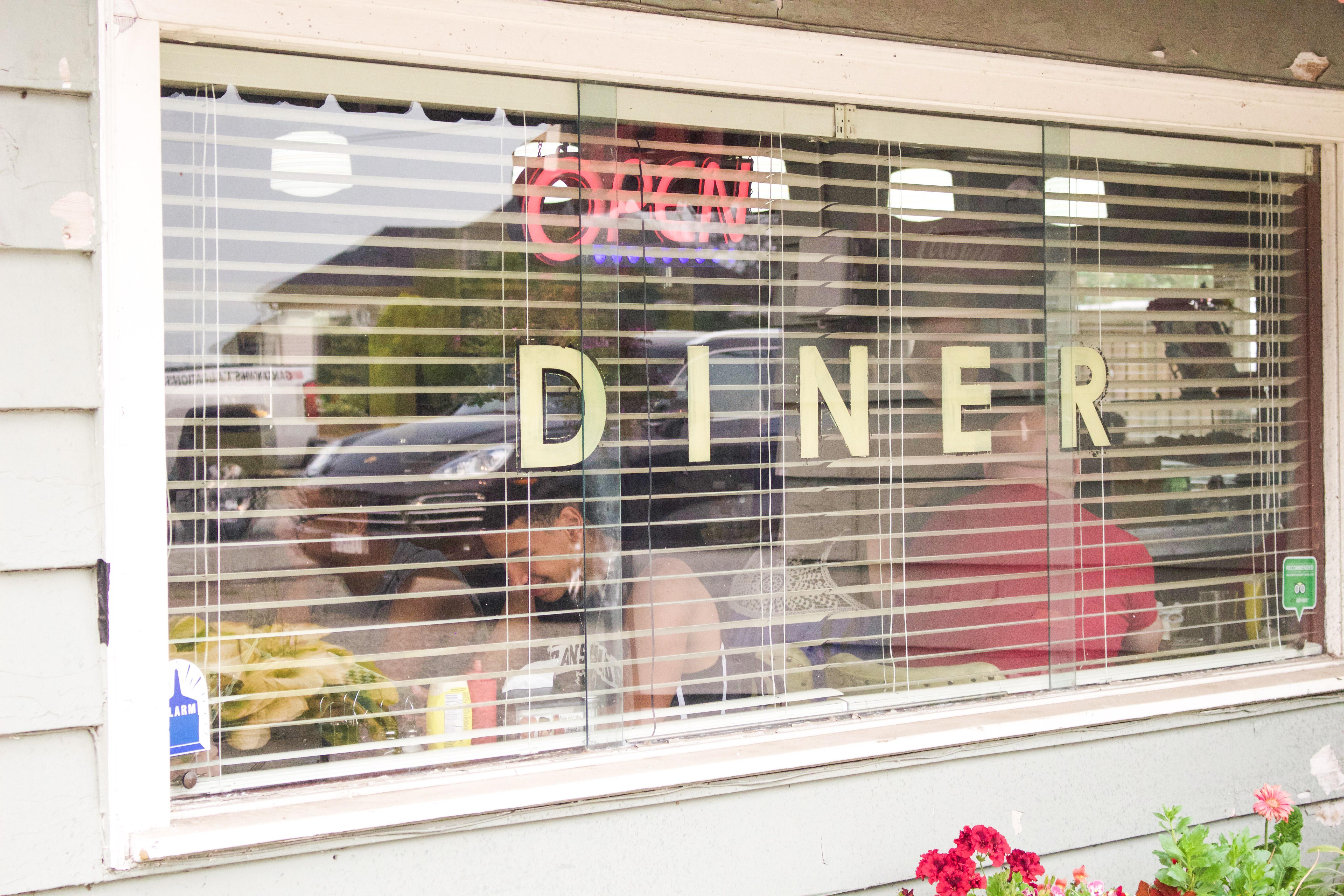 Hilltop Diner Cafe